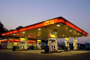 gas-station-1161870_640