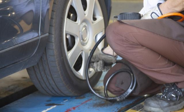 タイヤの空気圧はいくつ?